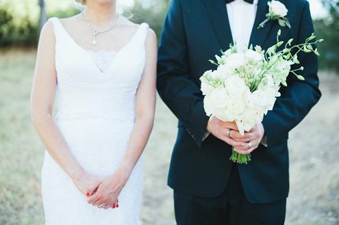 Brautpaar-mit-Brautstrauss