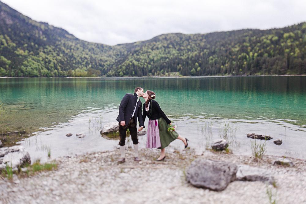 Hochzeitsdirndl - Brautdirndl