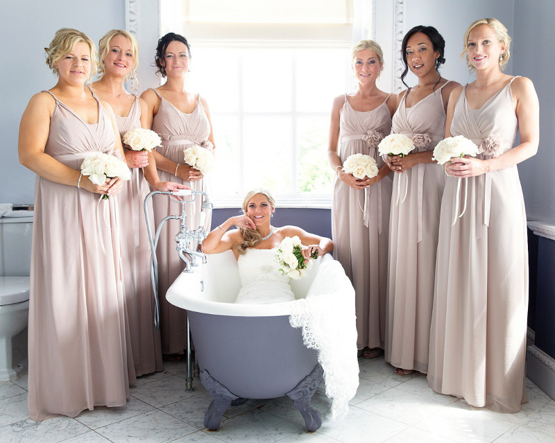 bride-in-a-bath-surrounded-by-bridesmaids-at-buxted-park-3990