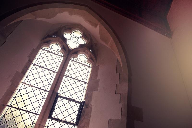 inside-kingston-village-church-3995