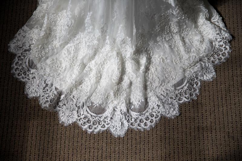 the-train-on-a-feathered-pronovias-wedding-dress-3978