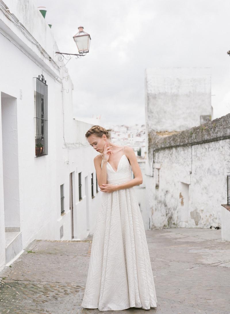 Zarte und moderne Brautkleider aus Kanada ~ Truvelle