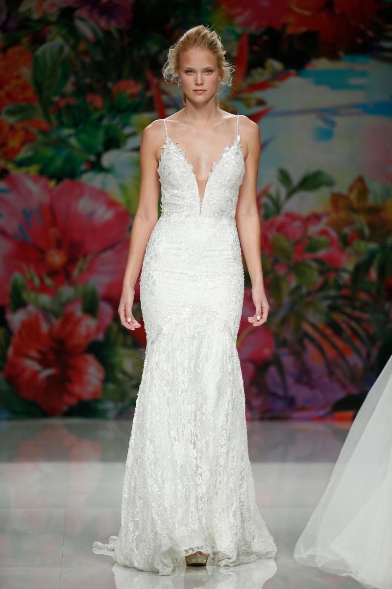 Brides; Season 2017; Barcelona Bridal Fashion Week