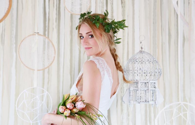 Mona Berg ~ Brautkleider 2016 ~ Von Romantik bis Boho