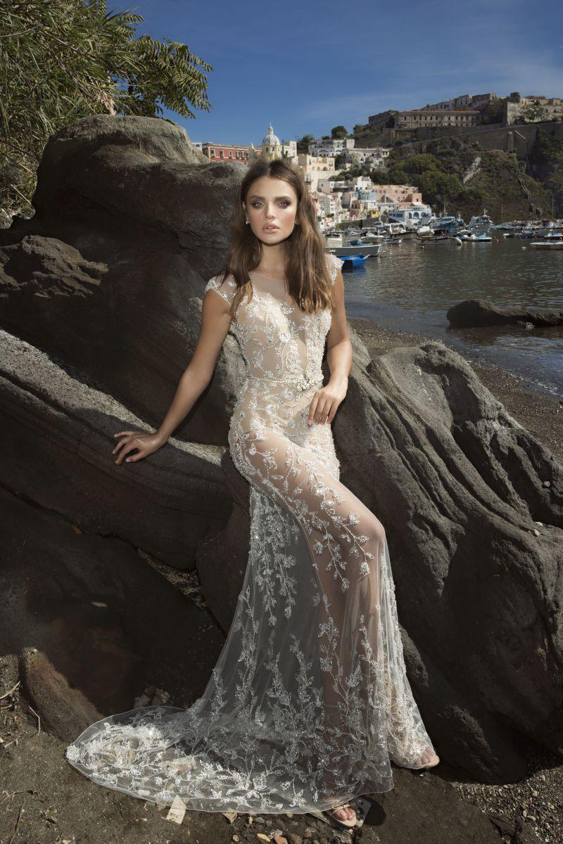 Julie Vino Fall 2017 Kollektion Brautkleid mit durchsichtigem Rock und Spitze