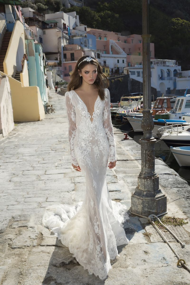 Julie Vino Fall 2017 Kollektion Brautkleid mit tiefem Ausschnitt