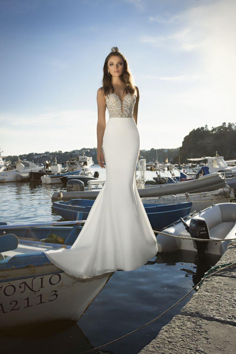 Julie Vino Fall 2017 Kollektion Brautkleid mit engem MIeder