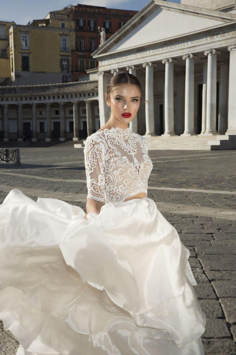 Julie Vino Fall 2017 Kollektion Brautkleid aus zwei Teilen mit Spitzentop
