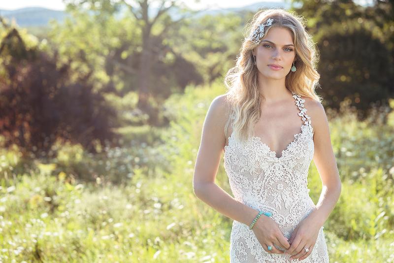 Boho Brautkleid Spitze von Lillian West auf dem Hochzeitsblog Brautsalat