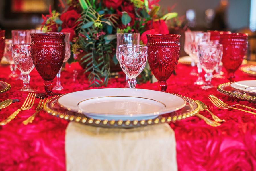 rote tischdekoration rote hochzeit hochzeitsblog brautsalat