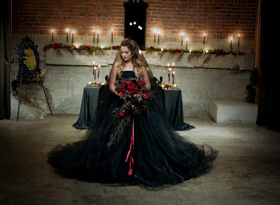 Brautkleid In Schwarz Eine Halloween Hochzeitsinspiration