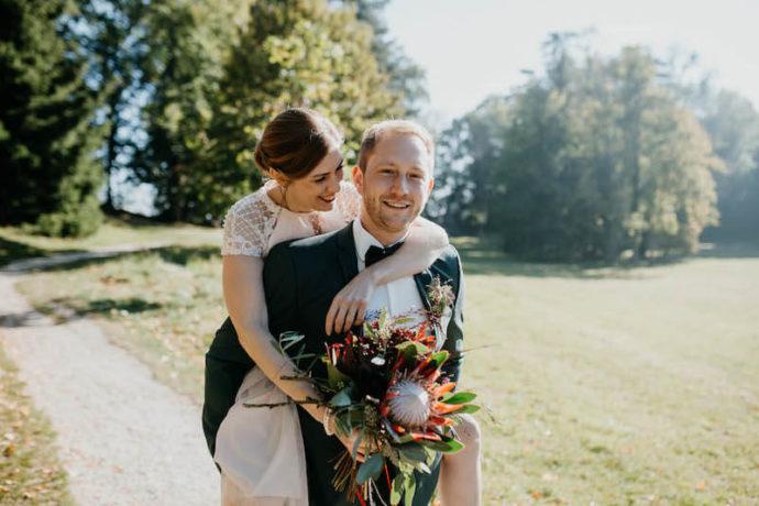 Braut auf Händen tragen | Marcus Frenz Fotografie