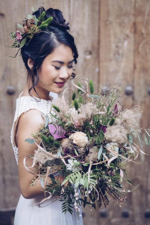 Braut mit Brautstrauß | Jennifer Spurk Fotografie