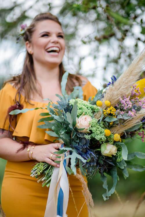 Braut vor Baum Vollbild | Franziska Finger Hochzeitsfotografie