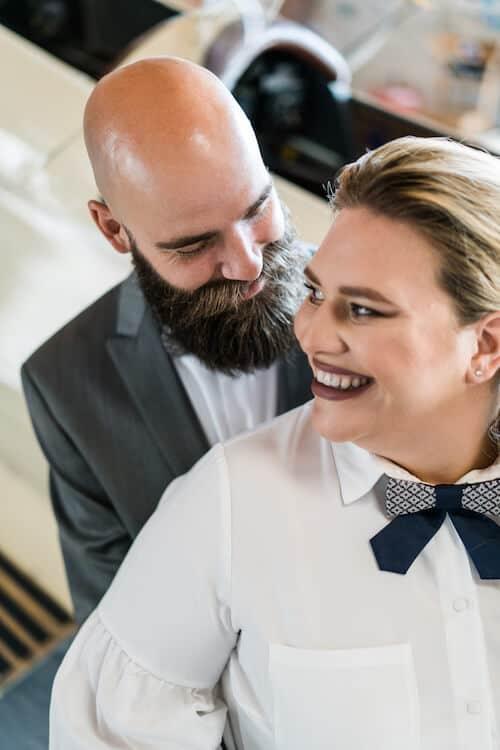 Brautpaar lächelt |Hochzeitsfotograf Marcel Helfert