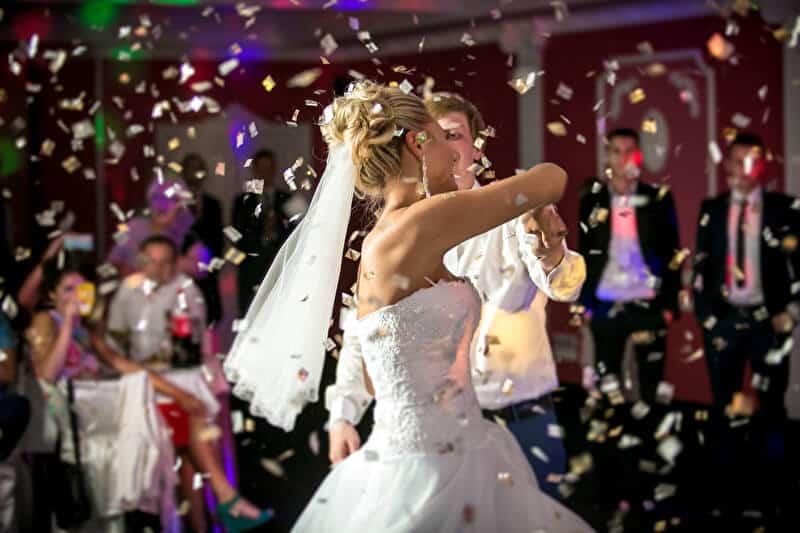 Brautschuhe zum Tanzen | © PantherMedia / Kryzhov
