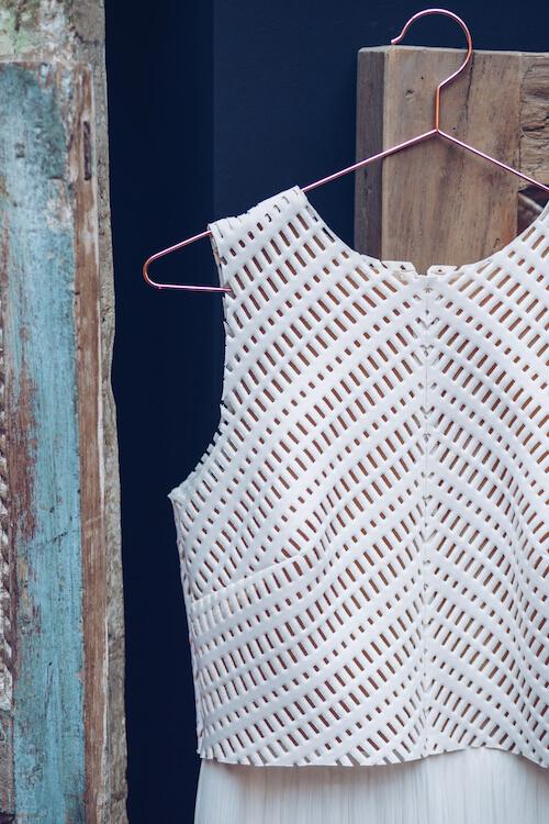 Detailaufnahme des Brautkleides | Jennifer Spurk Fotografie