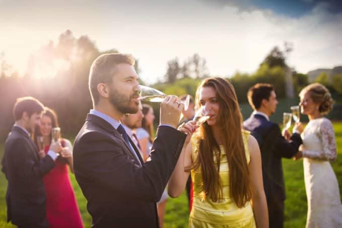 Gäste einer Hochzeit | © panthermedia.net /halfpoint