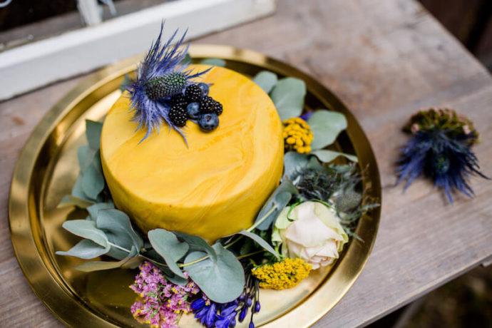 Gelbe Torte Nahaufnahme | Franziska Finger Hochzeitsfotografie