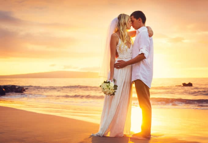 Hochzeitsabend am Strand | © panthermedia.net /EpicStockMedia