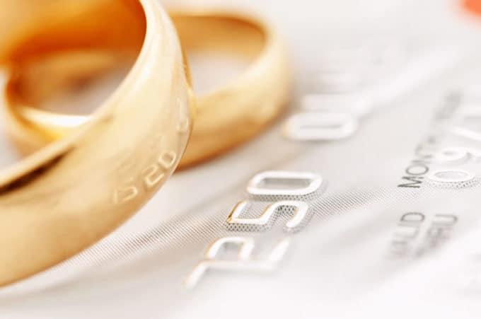Hochzeitsringe | © panthermedia.net /pgaborphotos