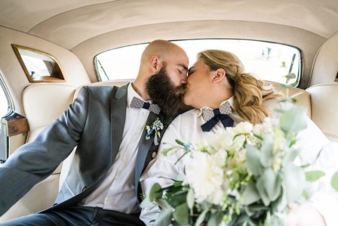 Im Oldtimer |Hochzeitsfotograf Marcel Helfert