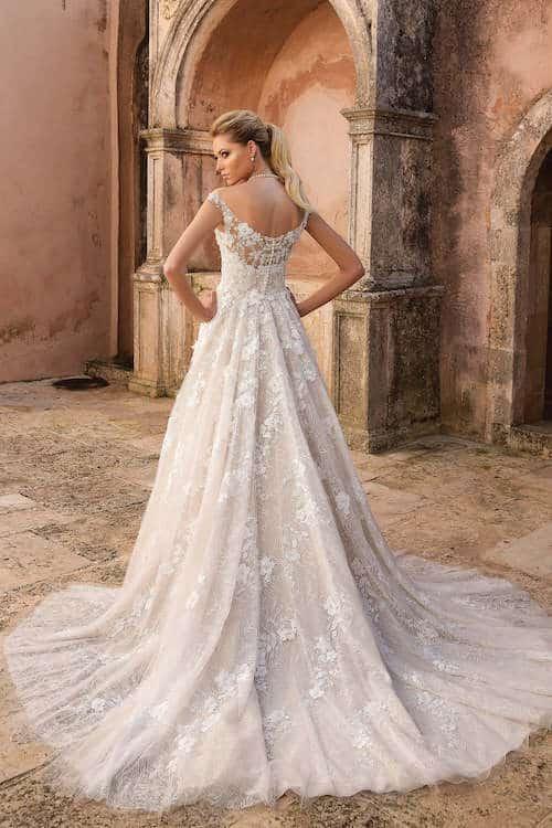 Von Schlicht Bis Glamouros Brautkleider Trends 2019 Fur Jeden