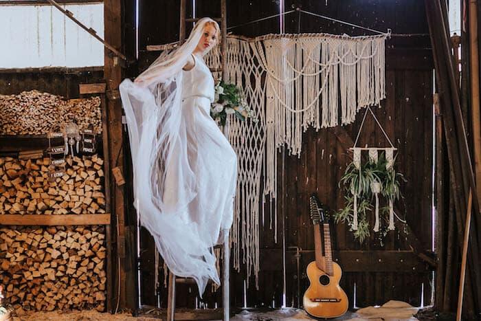 Kleid in Szene gesetzt | Deniz Pekdemir (Fotografin)