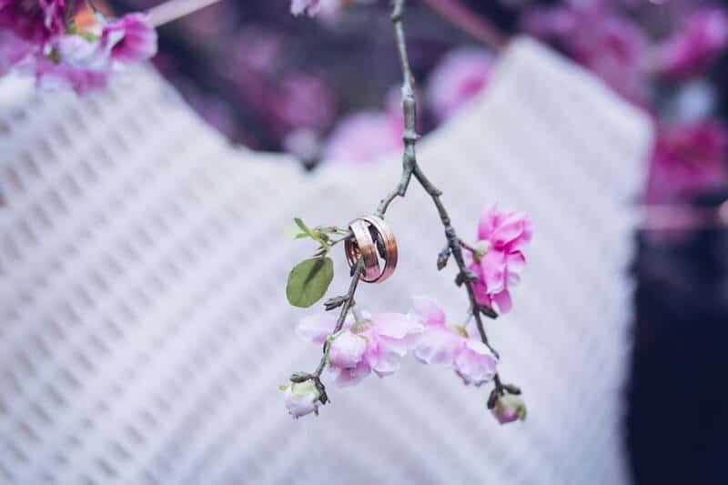 Ringe an Kirschblüten | Jennifer Spurk Fotografie