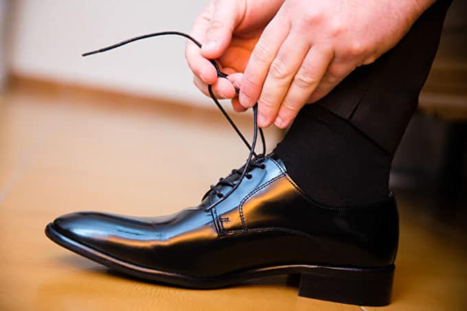 Schuhe binden | © panthermedia.net /Jose Antonio Garcia Sosa