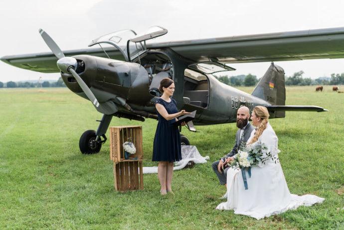 Traurede auf dem Flugplatz |Hochzeitsfotograf Marcel Helfert