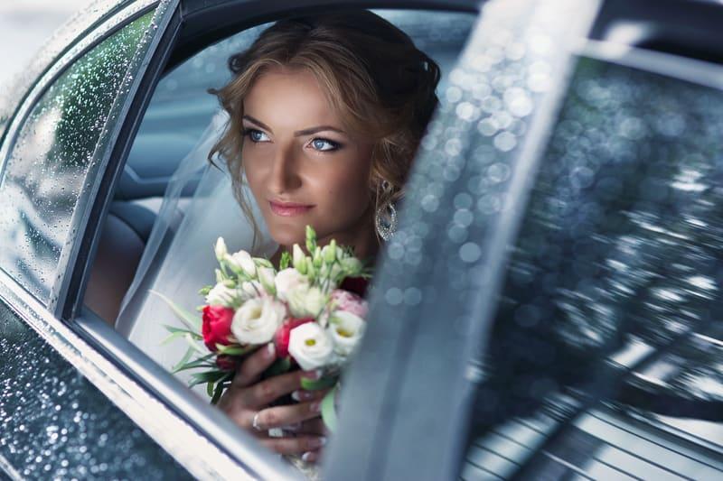 Hochzeit im Regen | © panthermedia.net /olexiysyrotkin